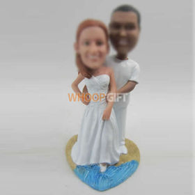 custom beach wedding cake bobbleheads