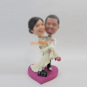 customized wedding cake bobblehead dolls