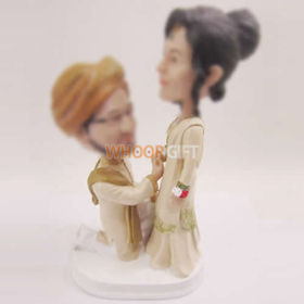 custom India wedding cake bobbleheads
