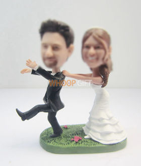 custom beach wedding cake bobble heads