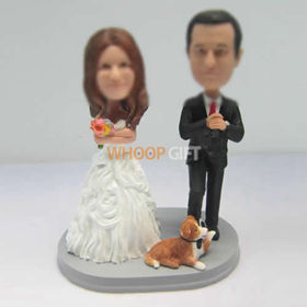 custom wedding cake with dog bobbleheads