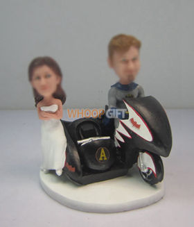 custom Batman wedding cake bobbleheads