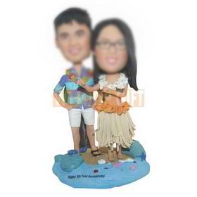 personalized custom honeymoon couple on the beach bobbleheads
