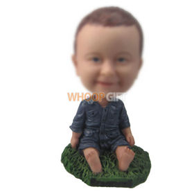 personalized custom kid sitting on the grass bobbleheads